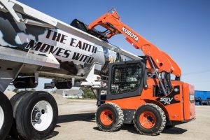 SSV75 Vertical Lift Skid Steer Loading Dump Truck